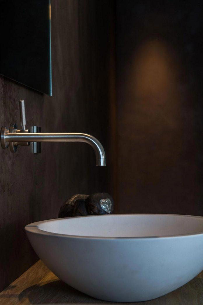 sustainable-luxurious-barnhouse-villa-hindeloopen-located-hindeloopen-netherlands-26
