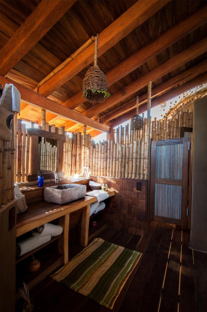 treehouse-suite-beachfront-bi-level-elliptical-shaped-bamboo-wrapped-treehouse-09