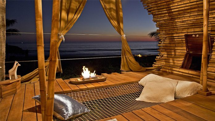 treehouse-suite-beachfront-bi-level-elliptical-shaped-bamboo-wrapped-treehouse-11