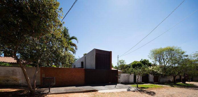 two-houses-several-generations-lambare-paraguay-21