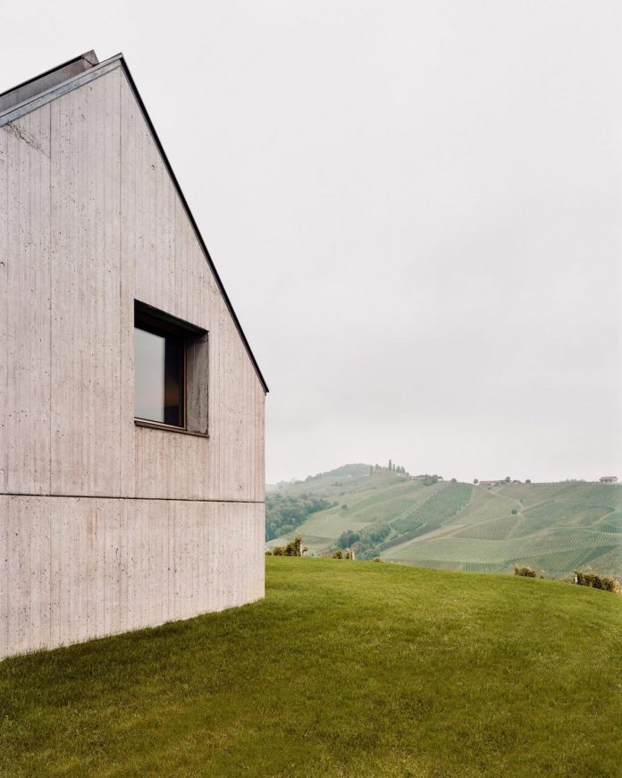 two-winegrowers-decided-make-old-vintners-house-retirement-home-04