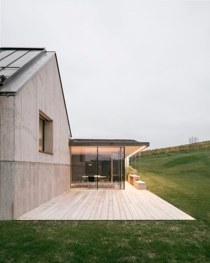 two-winegrowers-decided-make-old-vintners-house-retirement-home-08