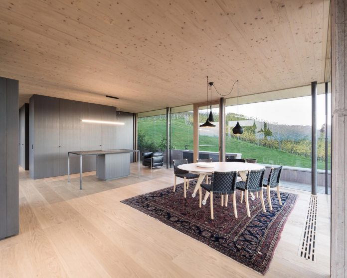two-winegrowers-decided-make-old-vintners-house-retirement-home-14