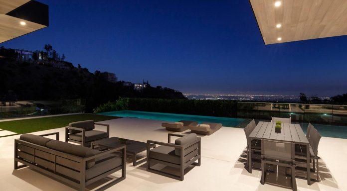 ultramodern-marcheeta-located-tight-lot-hills-sunset-plaza-13