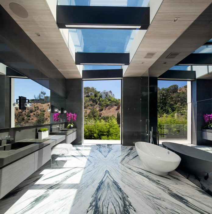 ultramodern-marcheeta-located-tight-lot-hills-sunset-plaza-16