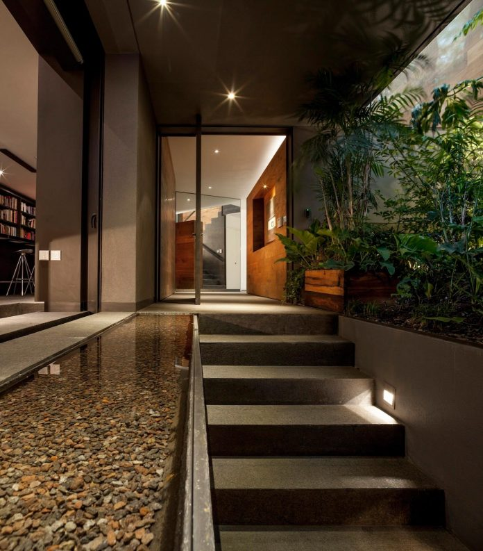 unfold-intimate-landscape-harmonious-architectural-spaces-surrounded-lush-vegetation-02