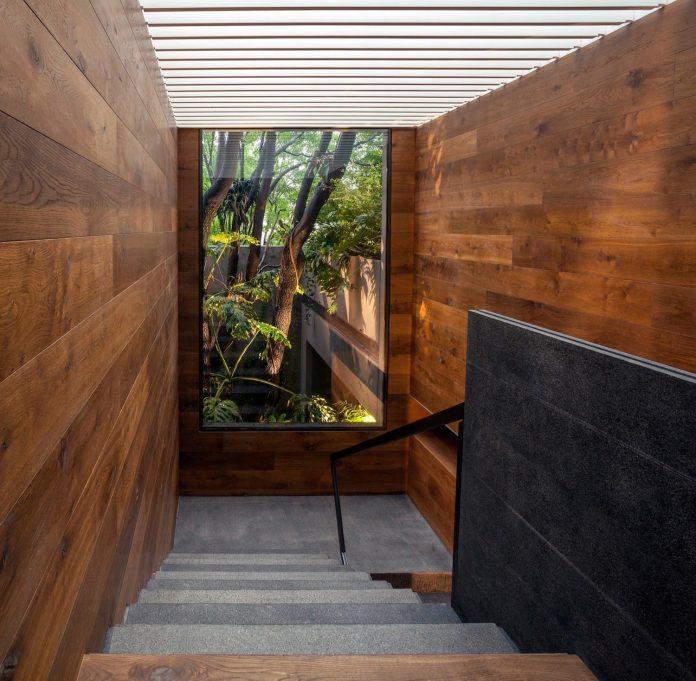 unfold-intimate-landscape-harmonious-architectural-spaces-surrounded-lush-vegetation-04