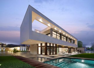 Clever combination of periodic style & contemporary residential design of the Super Villa in Los Angeles