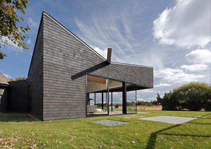 watermill-house-expansion-traditional-shingled-cottage-home-marrying-new-contemporary-addition-01