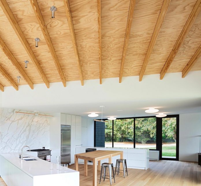watermill-house-expansion-traditional-shingled-cottage-home-marrying-new-contemporary-addition-04