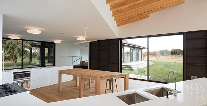 watermill-house-expansion-traditional-shingled-cottage-home-marrying-new-contemporary-addition-05