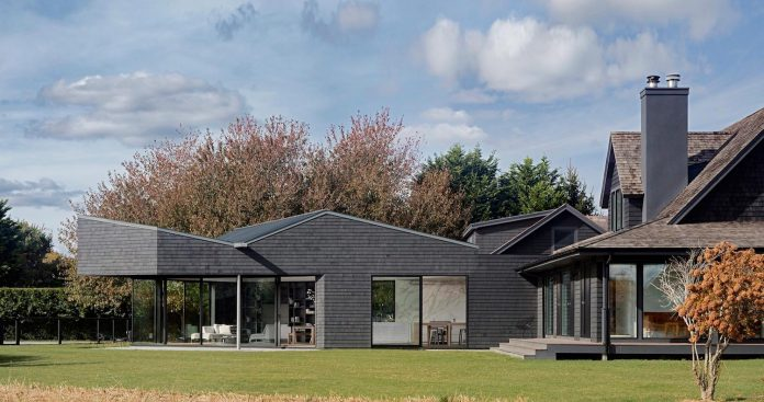 watermill-house-expansion-traditional-shingled-cottage-home-marrying-new-contemporary-addition-07
