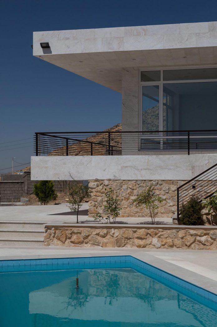 weekend-villa-located-hillside-sadra-city-05