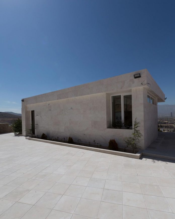 weekend-villa-located-hillside-sadra-city-10