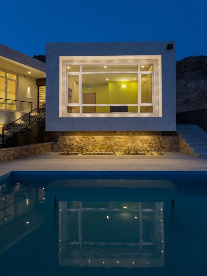 weekend-villa-located-hillside-sadra-city-17