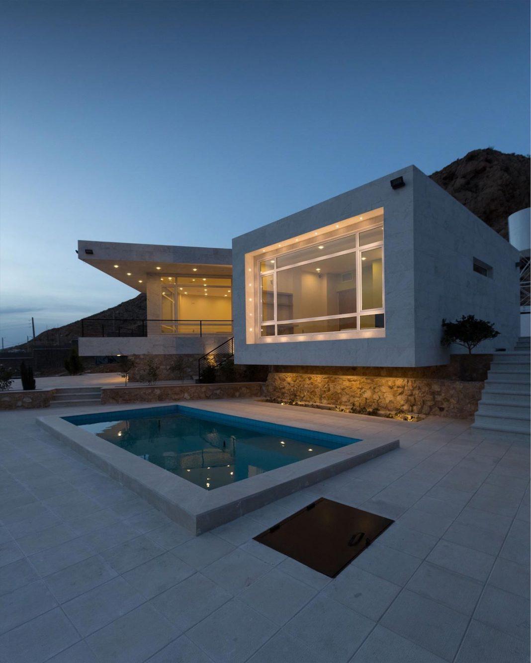 Weekend Villa located on the hillside of Sadra City