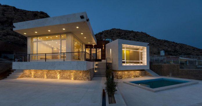 weekend-villa-located-hillside-sadra-city-19