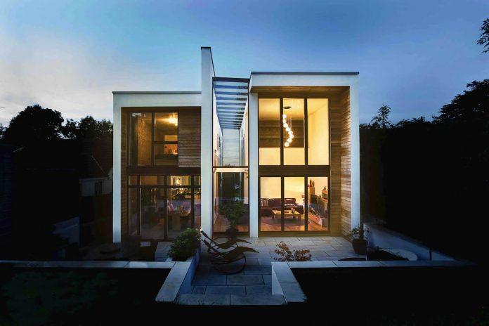 2-storey-family-home-glazed-atrium-brings-light-deep-house-14