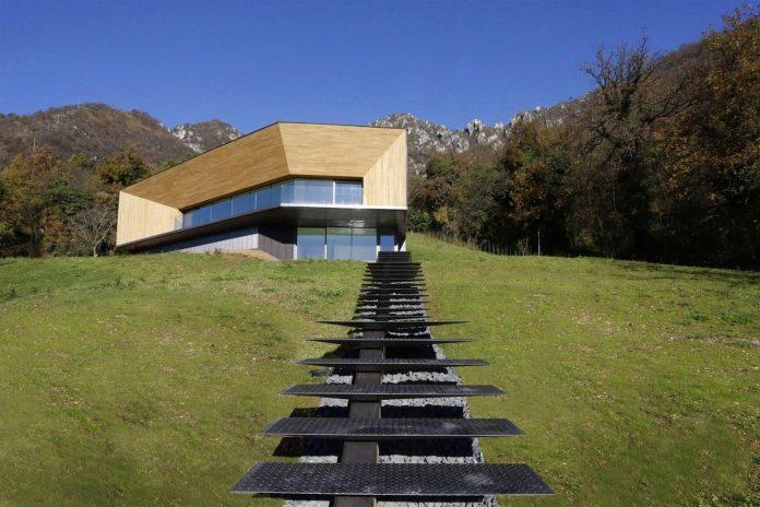 angular-alps-villa-planting-relationship-built-intervention-nature-03
