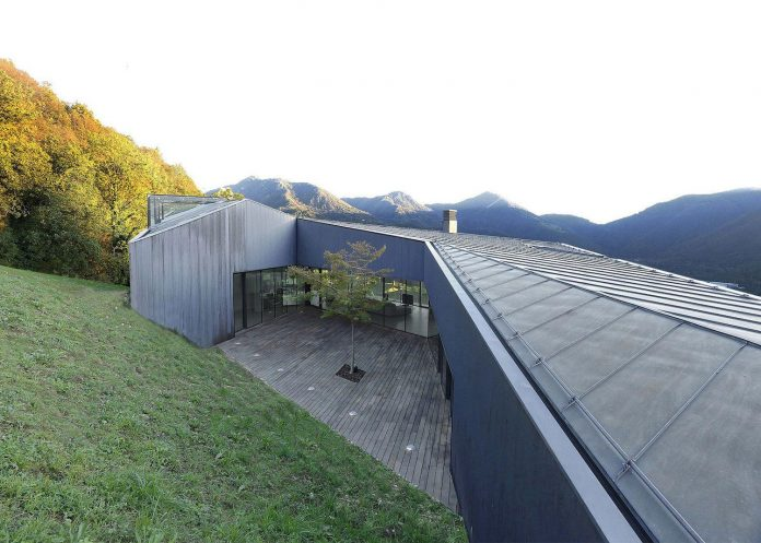 angular-alps-villa-planting-relationship-built-intervention-nature-10