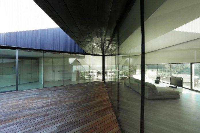 angular-alps-villa-planting-relationship-built-intervention-nature-14