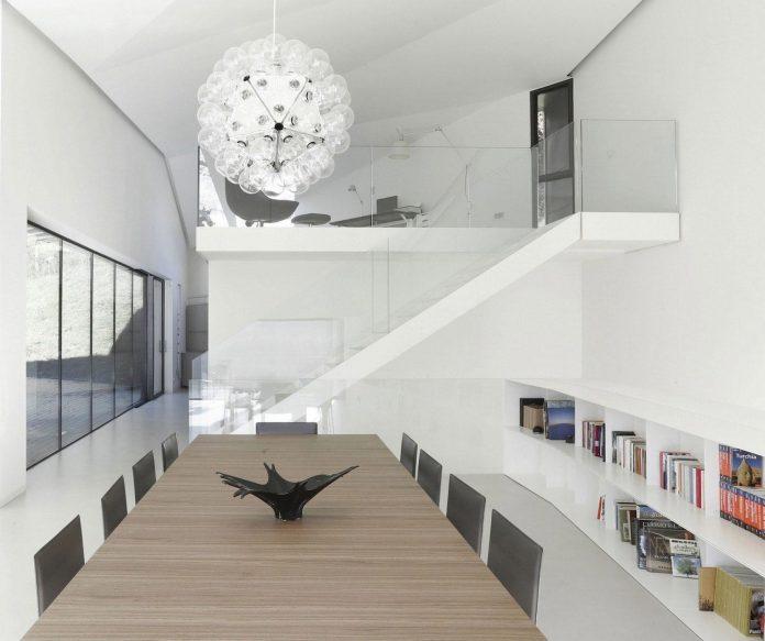 angular-alps-villa-planting-relationship-built-intervention-nature-23