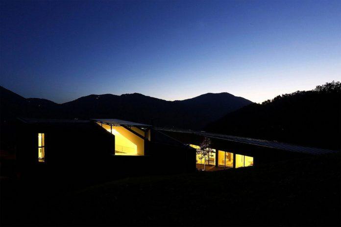 angular-alps-villa-planting-relationship-built-intervention-nature-28