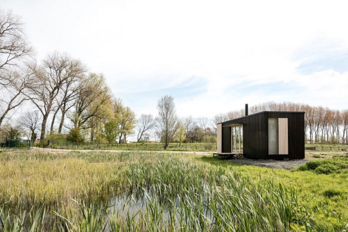 architecture-students-design-ark-shelter-aim-bringing-nature-back-01