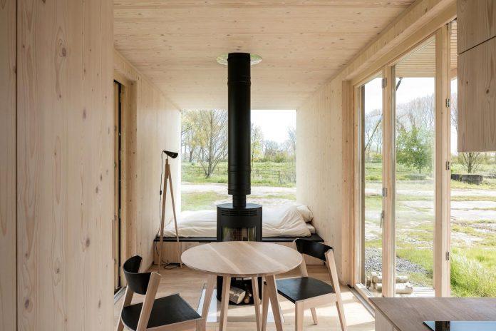 architecture-students-design-ark-shelter-aim-bringing-nature-back-02