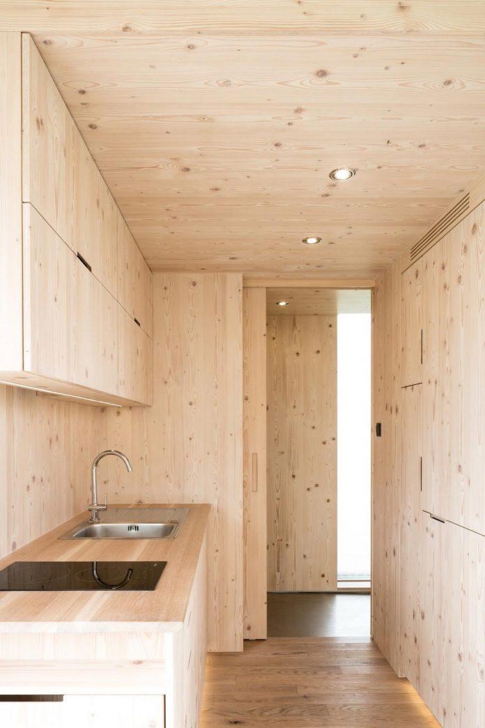 architecture-students-design-ark-shelter-aim-bringing-nature-back-04