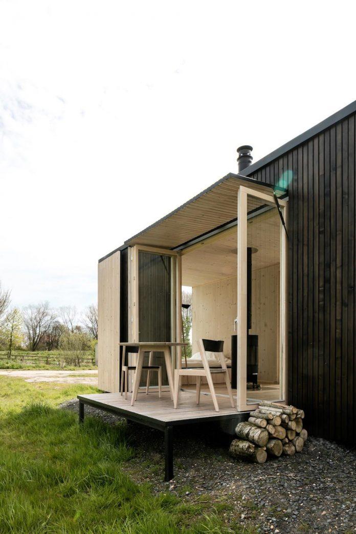 architecture-students-design-ark-shelter-aim-bringing-nature-back-06