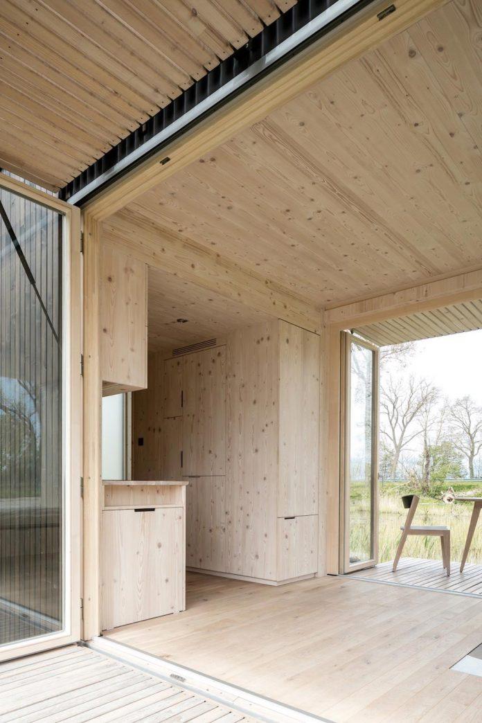 architecture-students-design-ark-shelter-aim-bringing-nature-back-10