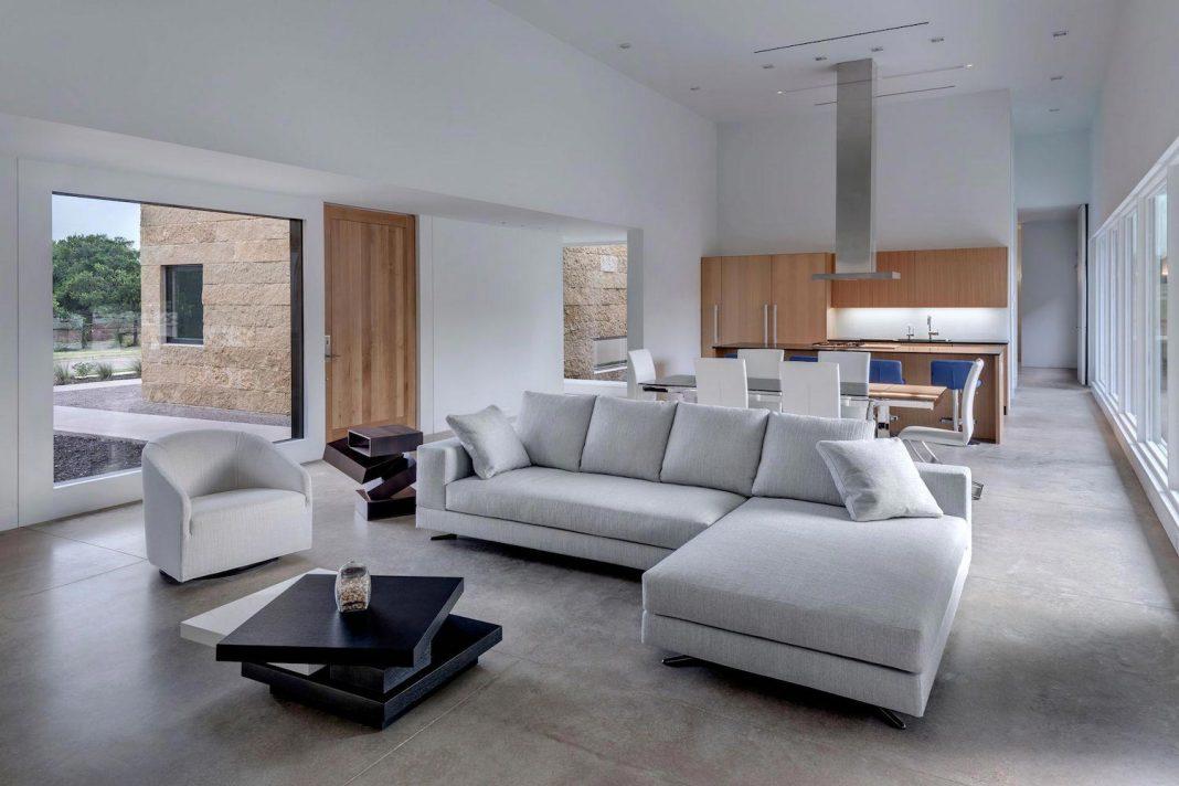 Blue Ridge Drive Residence in Cedar Hill, Texas by Norman D. Ward architect