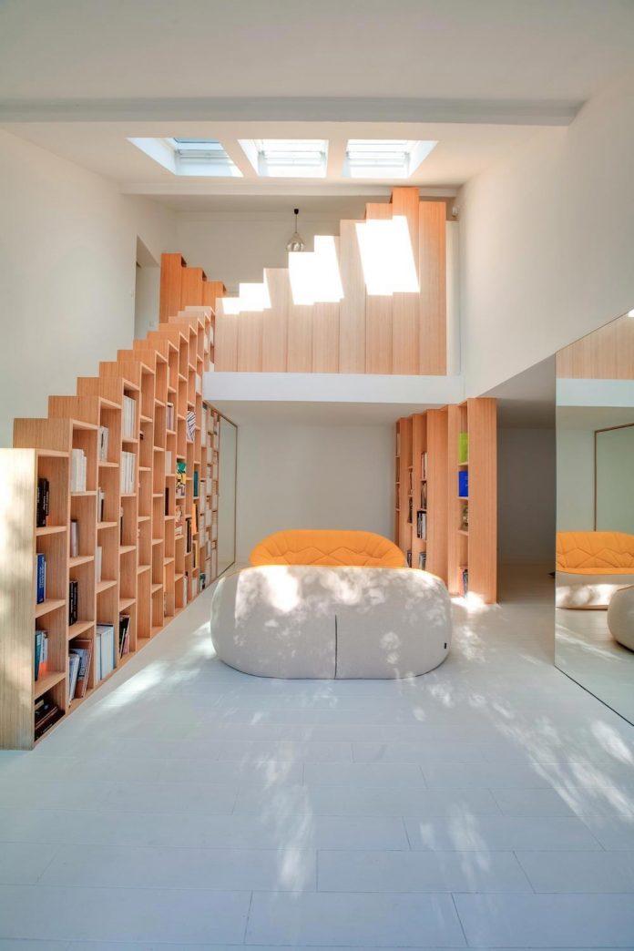 bookshelf-house-bright-playful-home-outside-paris-01