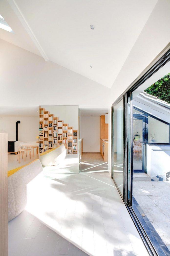 bookshelf-house-bright-playful-home-outside-paris-09