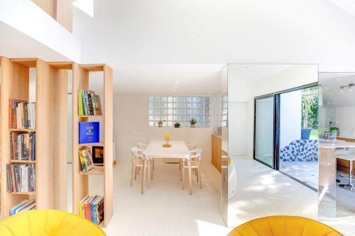 bookshelf-house-bright-playful-home-outside-paris-10