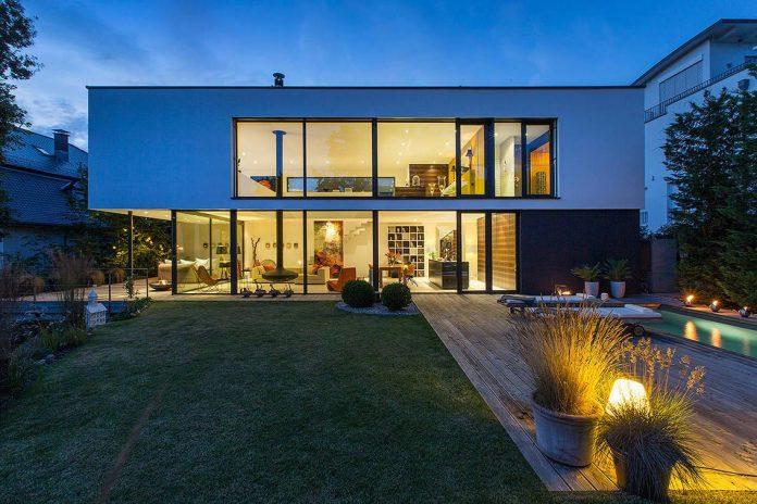 contemporary-bg-house-germany-designed-bau-werk-stadt-architekten-01