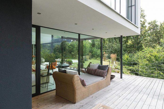 contemporary-bg-house-germany-designed-bau-werk-stadt-architekten-06