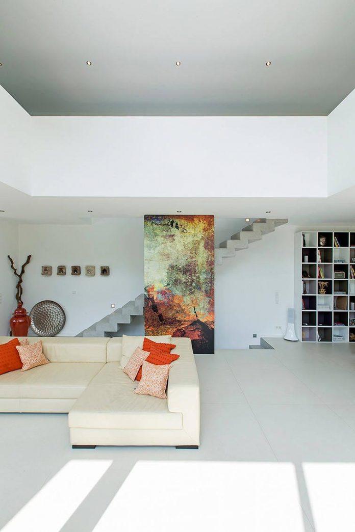 contemporary-bg-house-germany-designed-bau-werk-stadt-architekten-10
