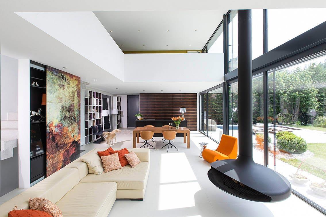 Contemporary bg house in germany designed by bau werk for Architekten bungalow modern