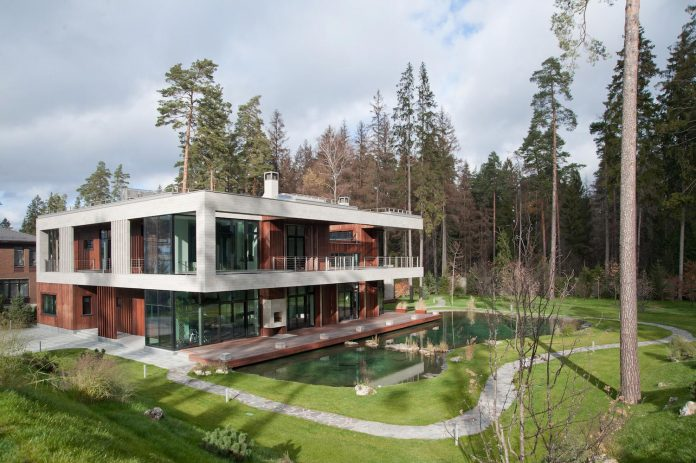 contemporary-country-house-forrest-surrounding-moscow-oblast-01