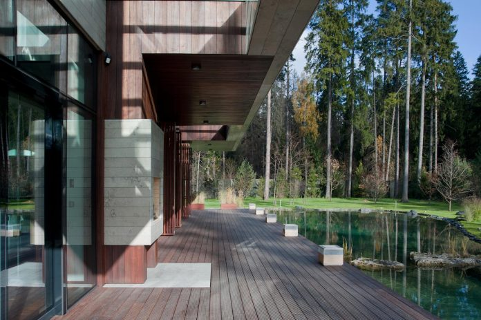 contemporary-country-house-forrest-surrounding-moscow-oblast-05