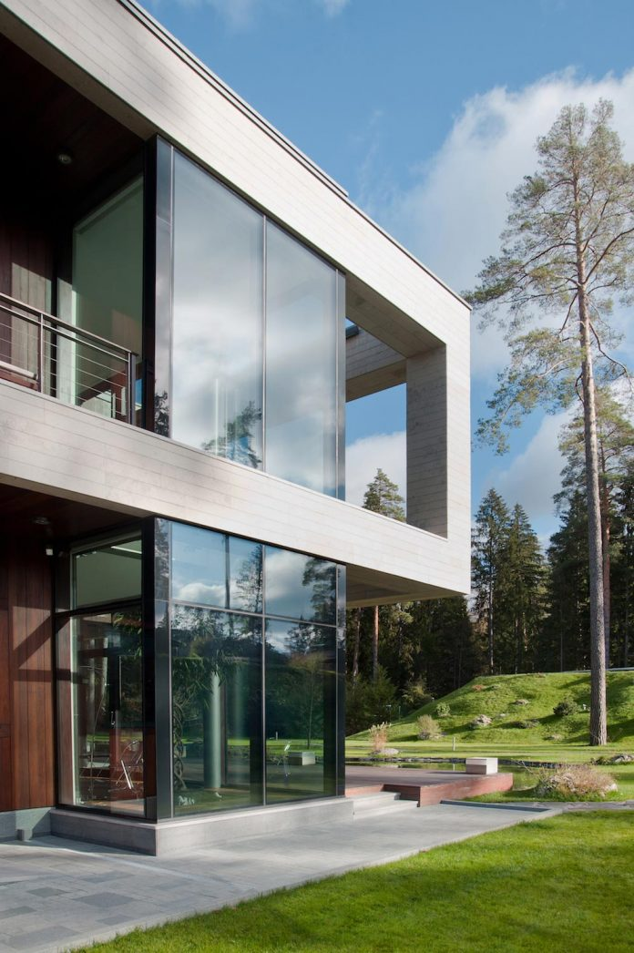 contemporary-country-house-forrest-surrounding-moscow-oblast-06
