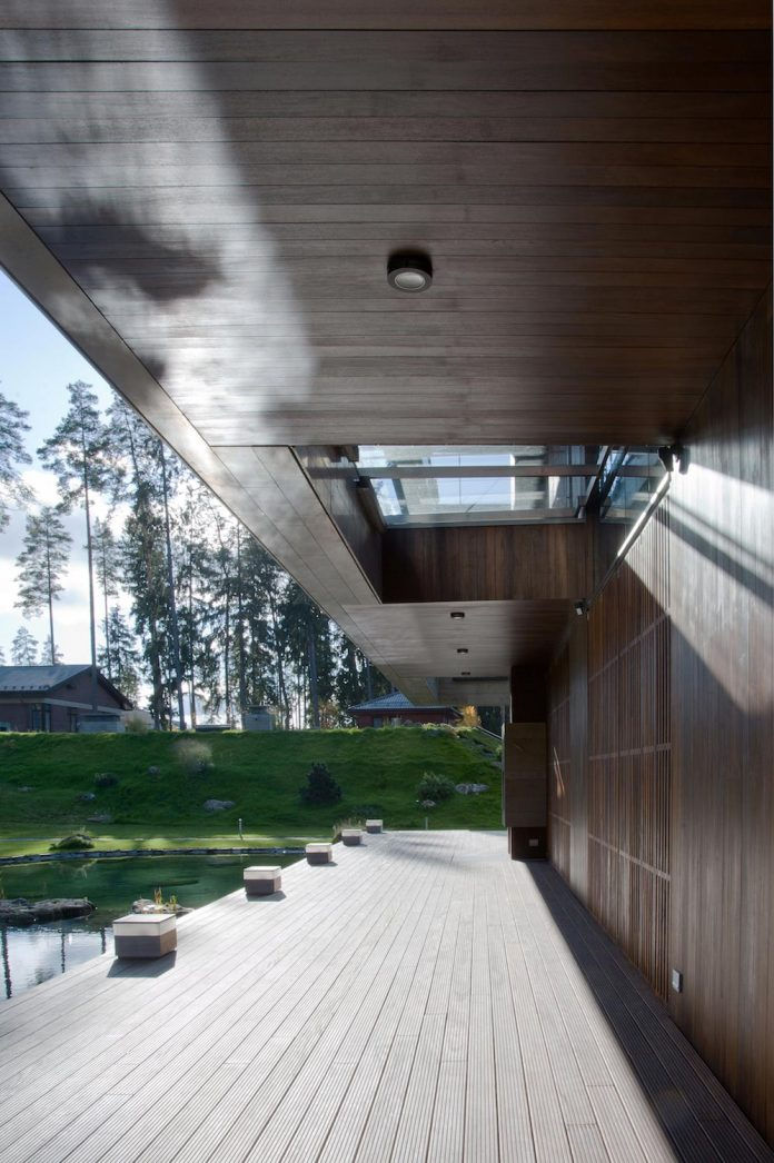 contemporary-country-house-forrest-surrounding-moscow-oblast-10