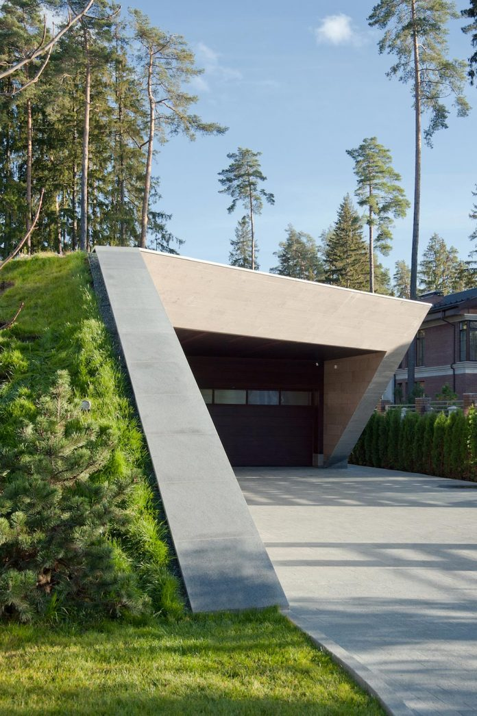 contemporary-country-house-forrest-surrounding-moscow-oblast-15