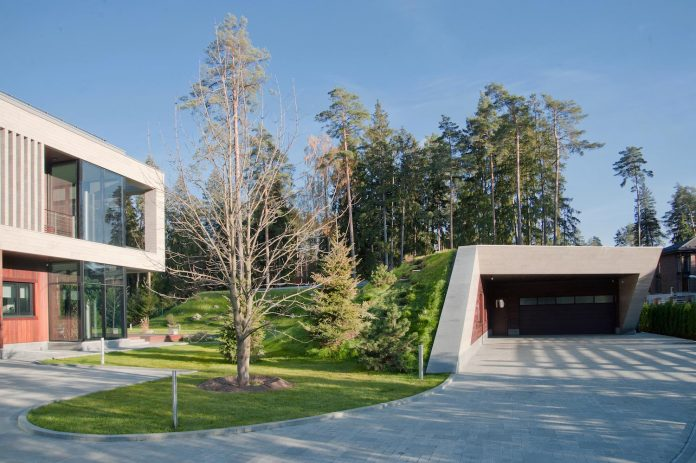 contemporary-country-house-forrest-surrounding-moscow-oblast-16