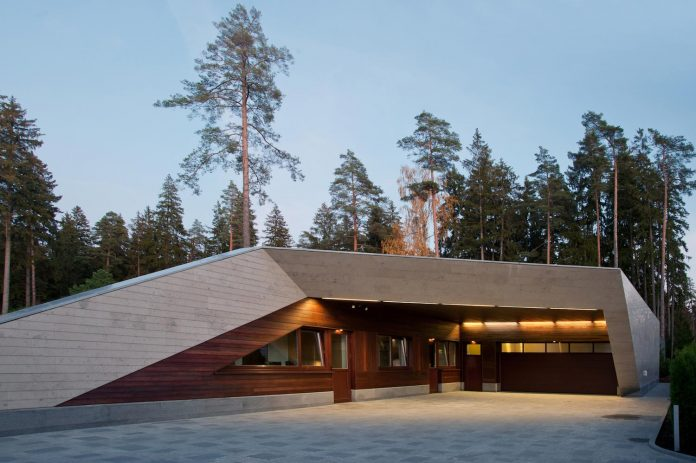 contemporary-country-house-forrest-surrounding-moscow-oblast-27