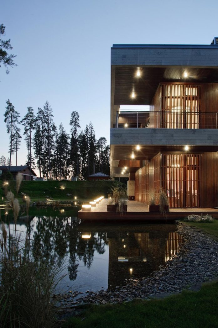 contemporary-country-house-forrest-surrounding-moscow-oblast-29