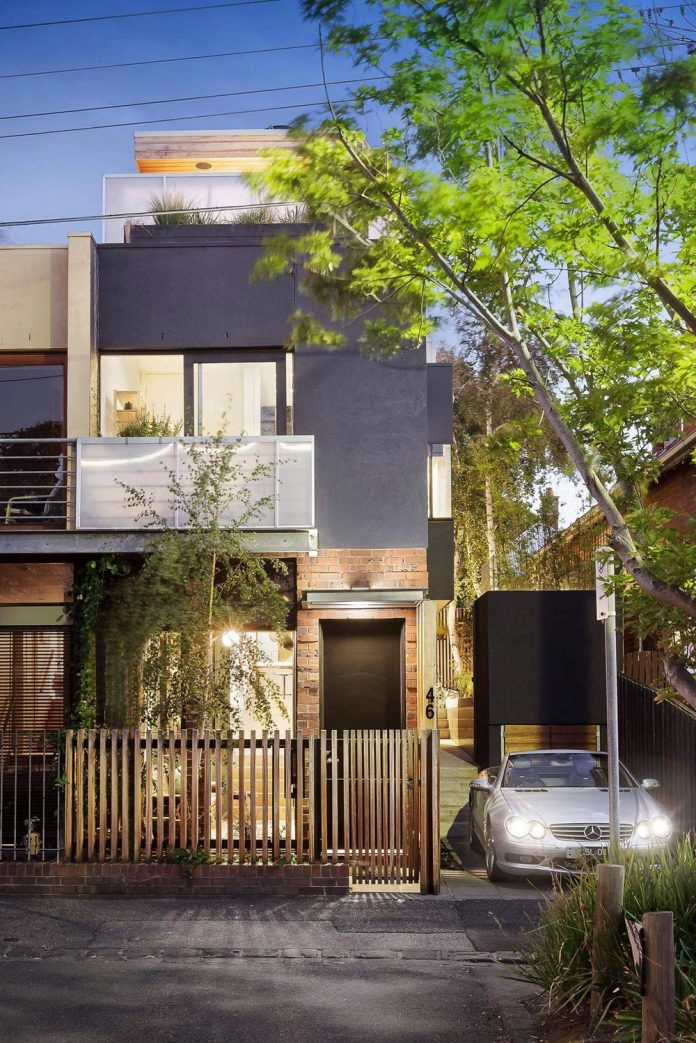contemporary-home-set-limited-area-uses-surroundings-carefully-14