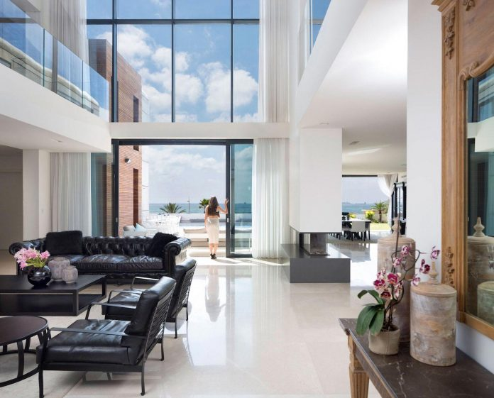 contemporary-house-overlooks-mediterranean-sea-situated-steps-away-beach-11